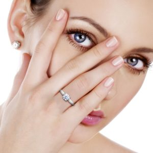 Balacia jewelry offers handcrafted engagement rings at up to 80% off