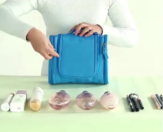 TOILETRY BAG – SAVES YOUR TIME!