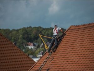 Why You Need To Hire People To Fix Leaky Roofs