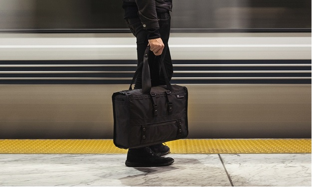 How to Choose the Right Bag for Men While Never Losing Any Masculinity?