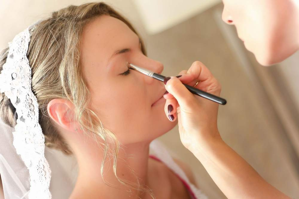 Choosing a Bridal Makeup Artist