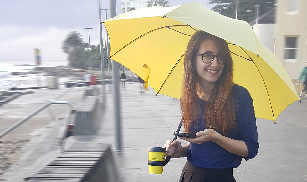 Innovative and Beautiful Coffee Holding Umbrella
