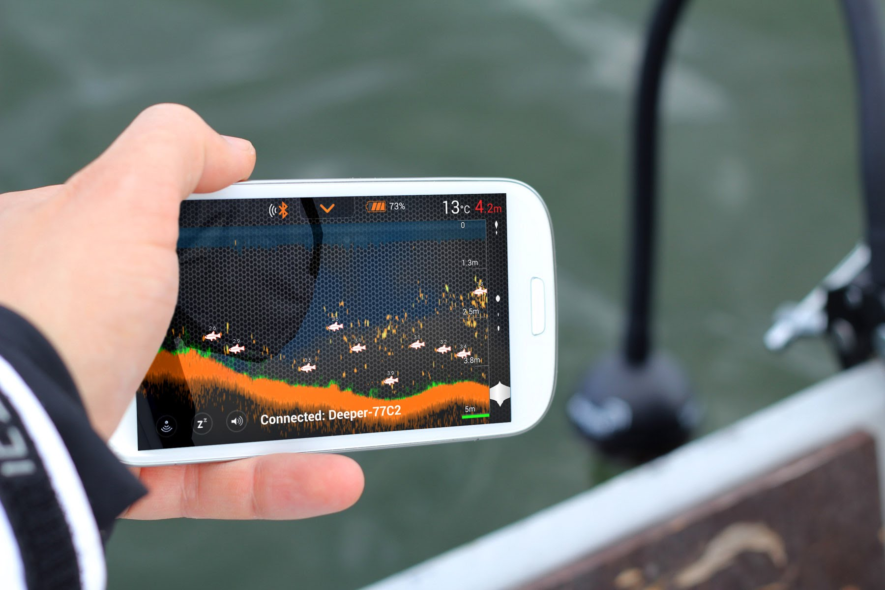 Catch fish using Fish Finder