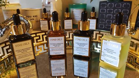 The Natural Skin Benefits of Using Face Oils
