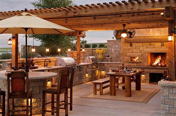 Forget the Man Cave –  5 Ways to Build Your Own Rockstar Backyard Bar Lounge!
