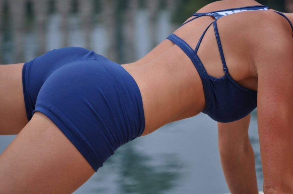 The Best Butt and Thigh Workout at Home (The Most Effective Exercises)