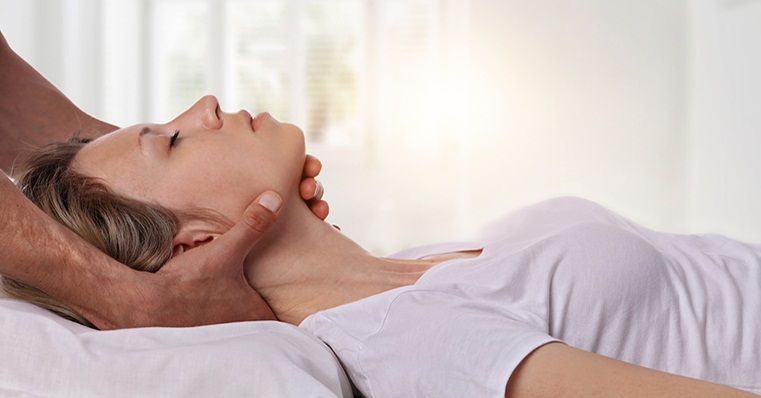 Chiropractic Treatment, its Types and Chiropractic Neck Adjustment