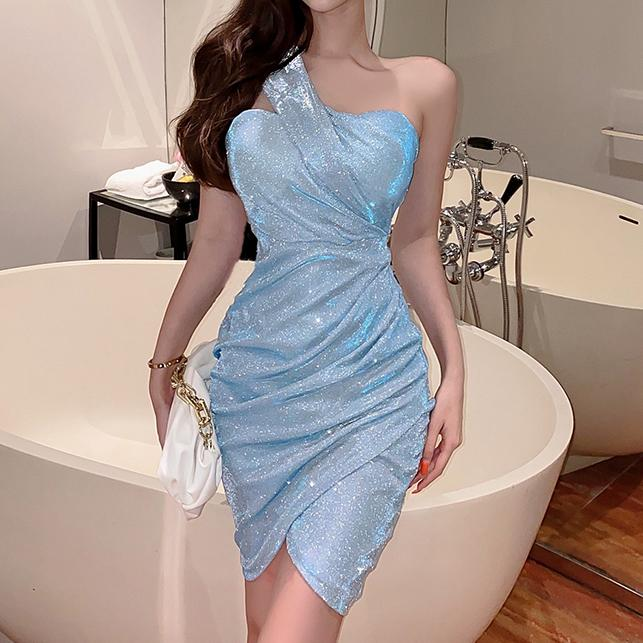 Advantages of buying dresses online